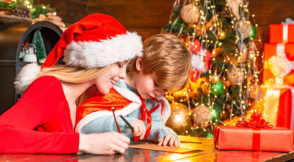 écrire une lettre au Père Noël, quel bonheur ! Retrouvez ici l'adresse officielle du père Noël pour envoyer vos listes d'envies