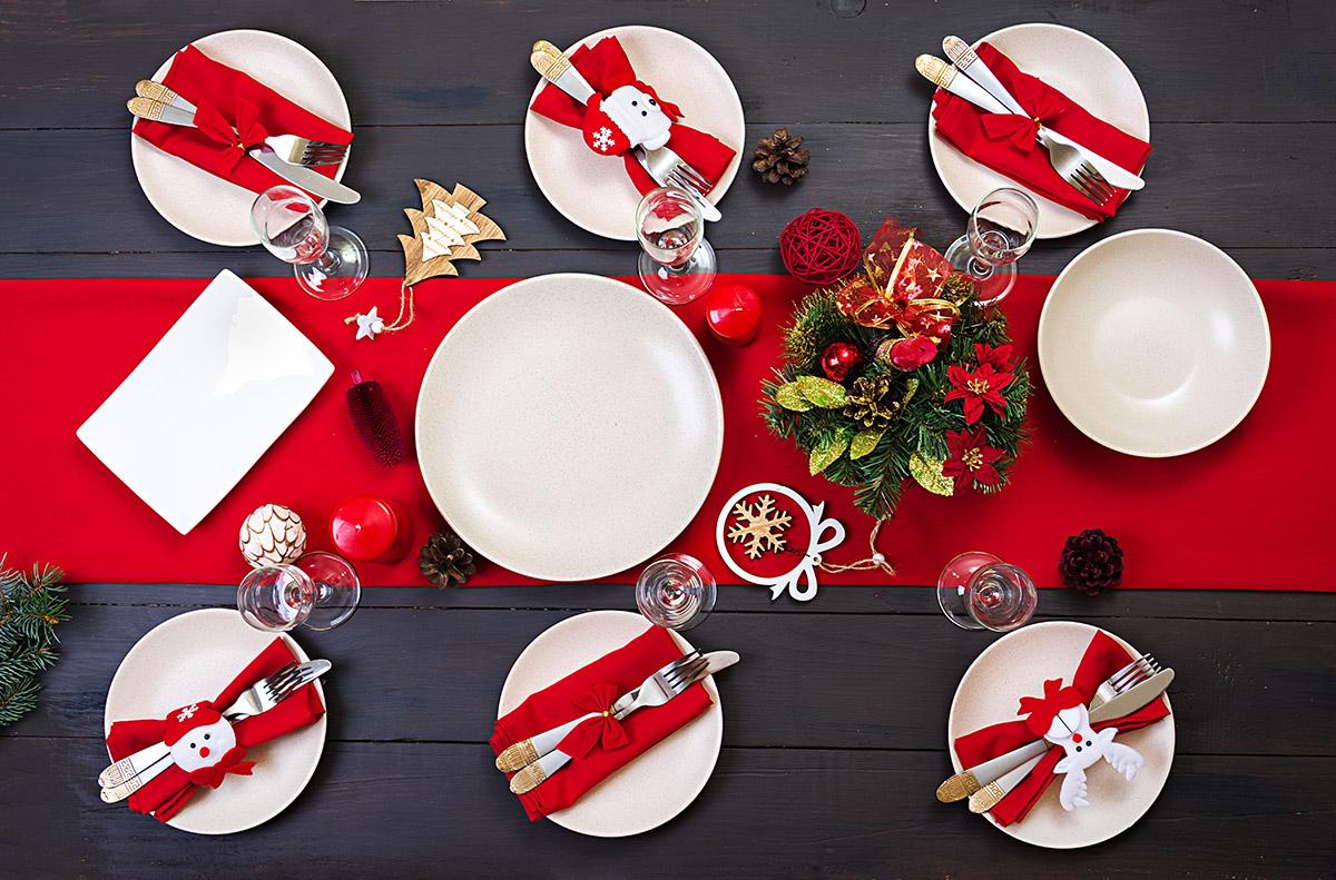 Des assiettes de Noël blanches, classique !