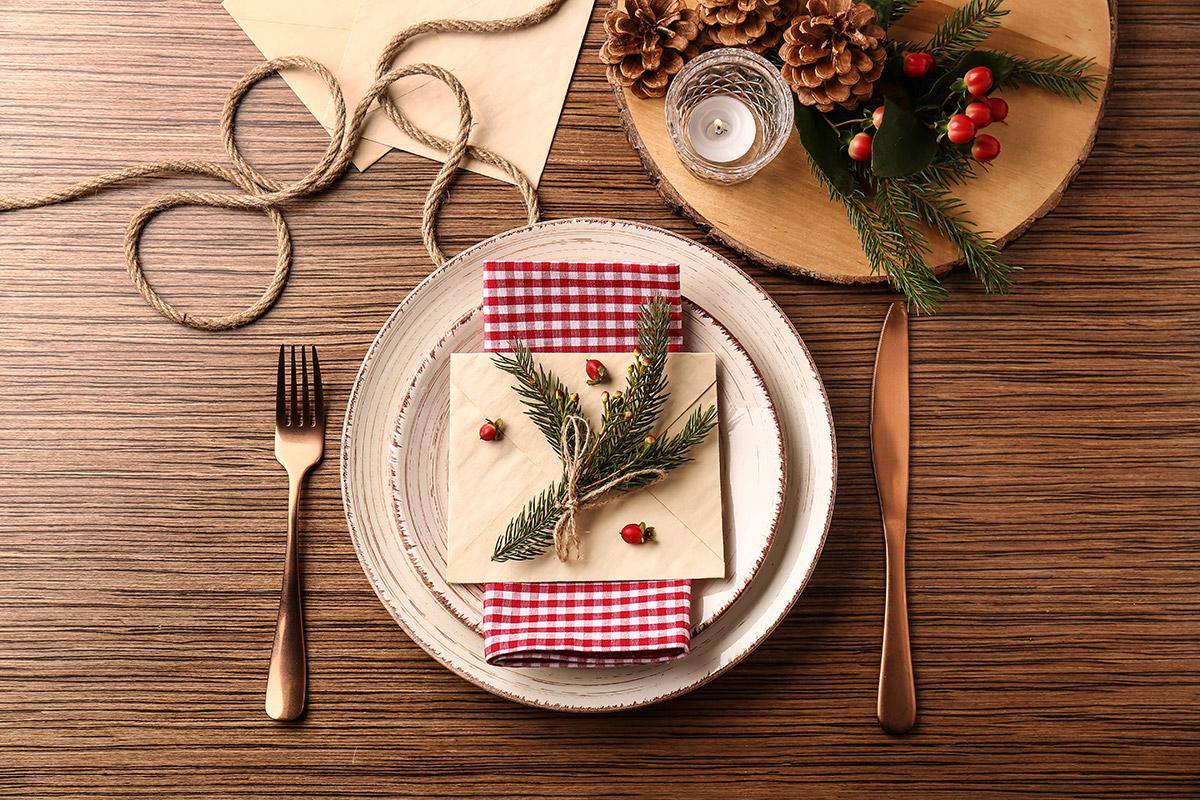 De la vaisselle de Noël chic et élégante
